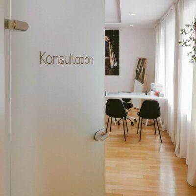 Dr-Parvizi_PlastischerOrdination-Graz-5-P-1024x1280.jpg